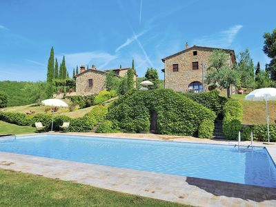 Photo for Nice apartment for 8 people with WIFI, pool, TV, pets allowed and parking
