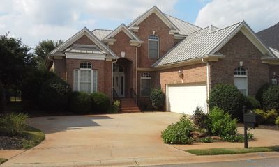 GREENVILLE, SC WATERFRONT EXECUTIVE HOME -WIFI *GAME RM/STUDY*GREAT VIEW