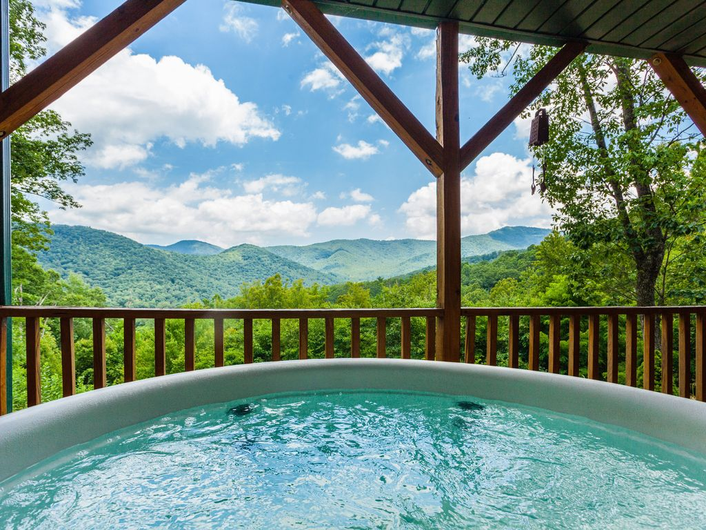 Near Asheville, Amazing Mountain Views with... - VRBO
