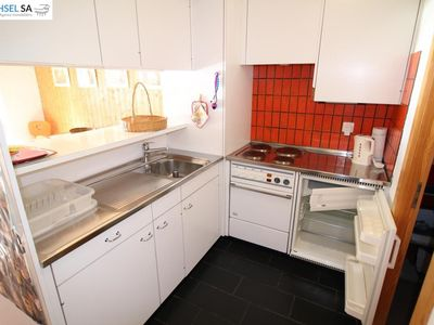 Photo for Studio (max 4 pers.) near the telecabine, easy access until front of the building. Living/dining roo