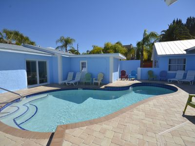 Walk to beach   Heated  POOL  King bed   DAILY WEEKLY   Villa 1   SPECIALS