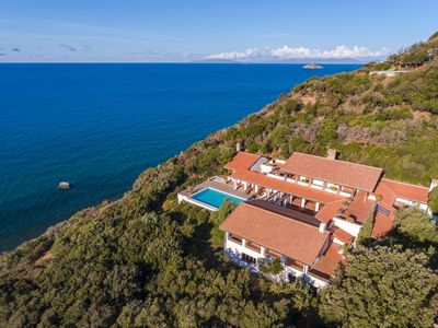 Photo for Nature, luxury, Wifi, swimming pool, tennis, air conditioning, private beach