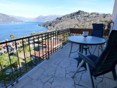 Photo for 1½ room apartment with balcony and breathtaking lake view in a residence with pool