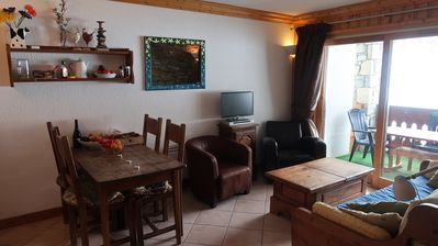 Photo for Meribel-Mottaret Exceptional 2 Bed chalet style apartment 36m2