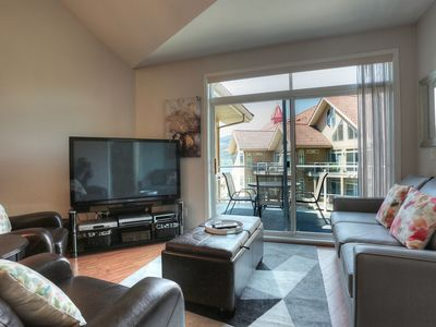 Photo for Top Floor, Corner Unit - Two Bed, Two Bath - Short Walk to the Beach