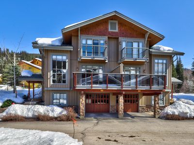 Photo for Gorgeous Ski In/Ski Out Townhome, Close to Village