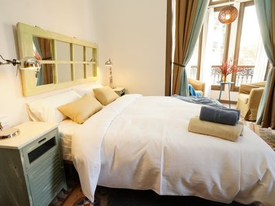 Photo for 2BR Apartment Vacation Rental in Barcelona, Catalonie
