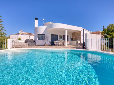 Photo for This 3-bedroom villa for up to 6 guests is located in Pego and has a private swimming pool, air-cond