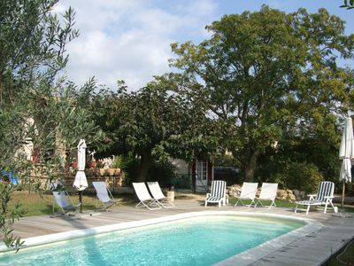 Photo for Villa with pool near the Pont du Gard