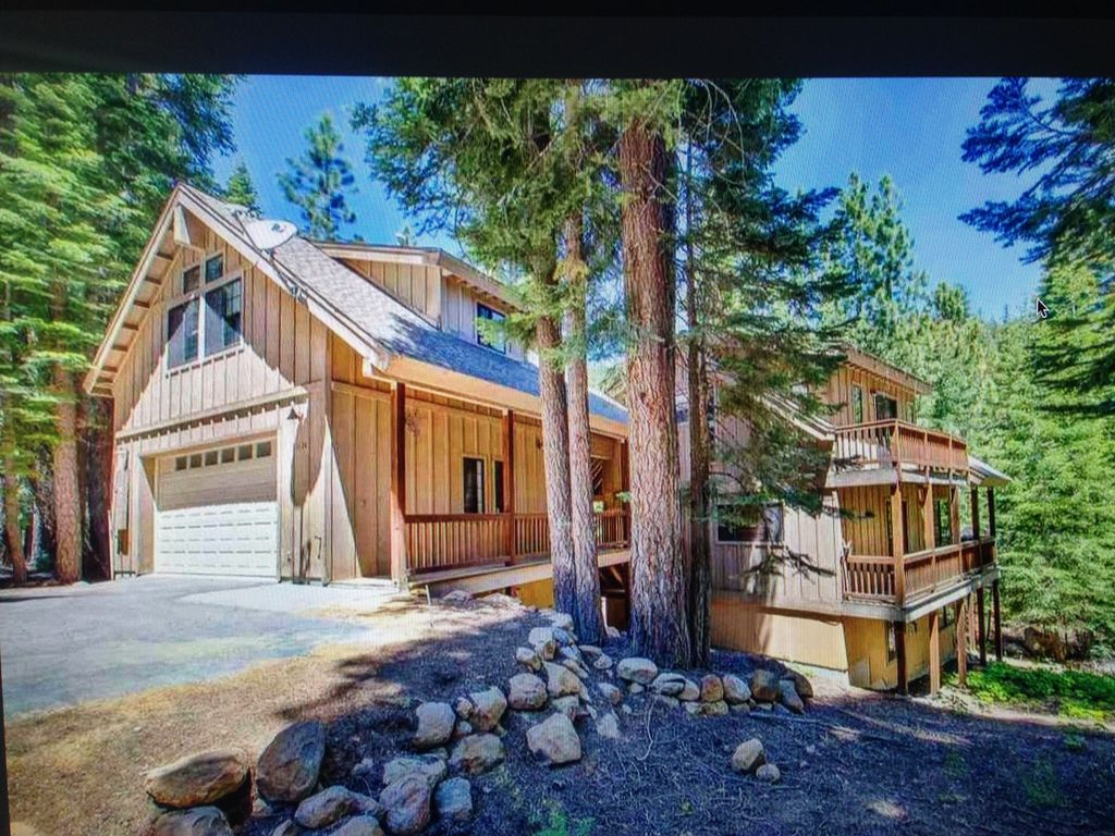 Lake tahoe kings beach private studio with balcony in for Studio 54 balcony
