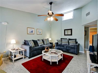 Venice Harbor 604, 1 Bedroom, WiFi, Sleeps 4, Pet Friendly