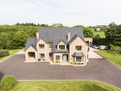 Photo for Gable Manor is a luxurious Country House with 5 bedrooms
