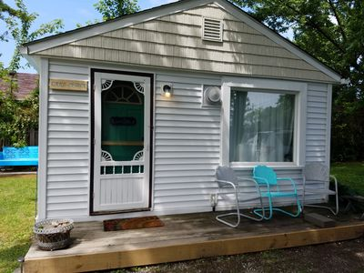 Photo for Newly updated quiet cozy cottage off the Strip, pet friendly