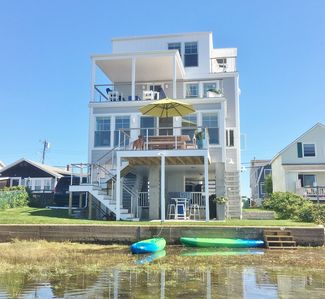 Photo for Waterfront (Sunset-front) 4BR/3BA Family Getaway