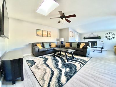 Photo for Relaxing Modern Vacation Home in Tempe