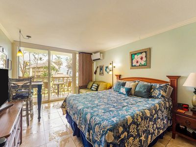 Photo for Oceanfront studio w/ kitchenette, shared pool, & hot tub - walk to the beach!
