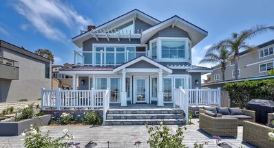 LUXURIOUSLY DESIGNED & NEWLY CONSTRUCTED OCEAN VIEW HOME IN CARLSBAD (UPPER)