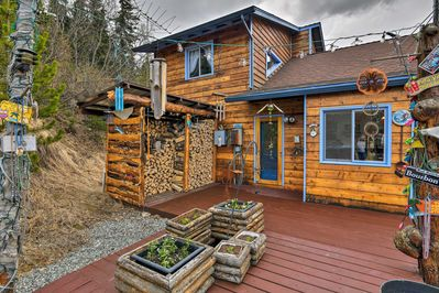Feel the elements of Alaska with this eclectic, yet modern vacation rental!