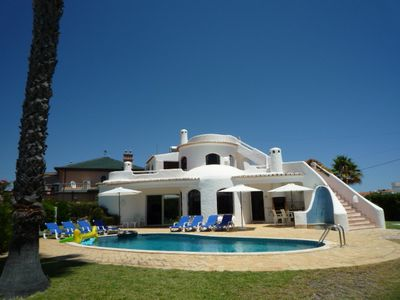 Photo for Family Villa with private pool in quiet area. Near to beach. Wi-Fi & Air Con