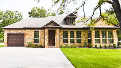 Photo for Beautiful and Secluded Sunnyvale Guest House Just a Short Drive From Dallas