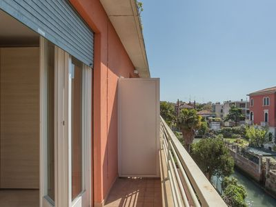 Photo for Cozy Apartment with Terrace in Lido