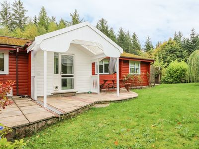 Photo for FIR LODGE, pet friendly, with open fire in Strathpeffer, Ref 915604