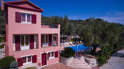 Photo for Villashorizon, Ostria, sleeps 4/8p, ideal for families, private pool, bpq, view