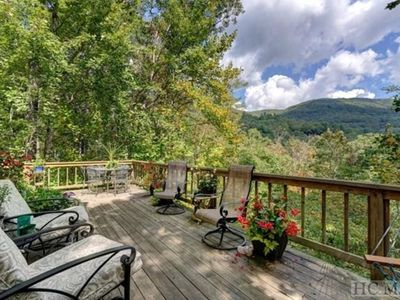 Photo for Hickory Heaven - Spectacular mountain view in charming home/Resort Amenities