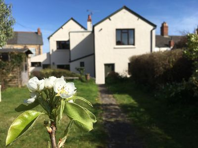 Photo for GREENGATES, pet friendly, with open fire in Watchet, Ref 935569