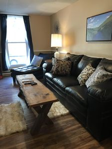 Large private apartment with view of the Old Jail in historic Jim Thorpe..