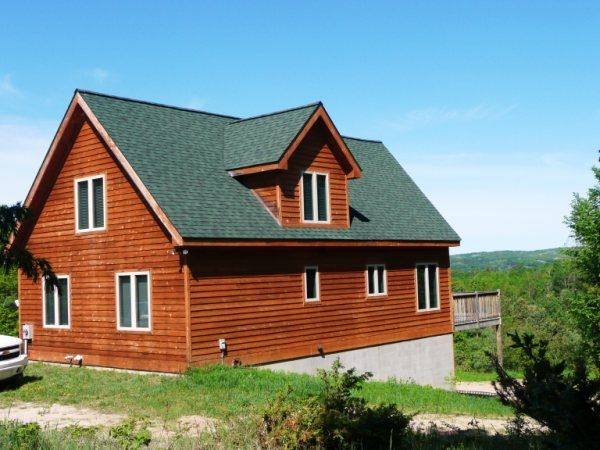 New Secluded Chalet Great Skiing,Golfing,Boating,Relaxing