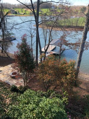 4 BR Lakefront Home in a Quiet Cove with Swim Dock and No Boat Traffic!
