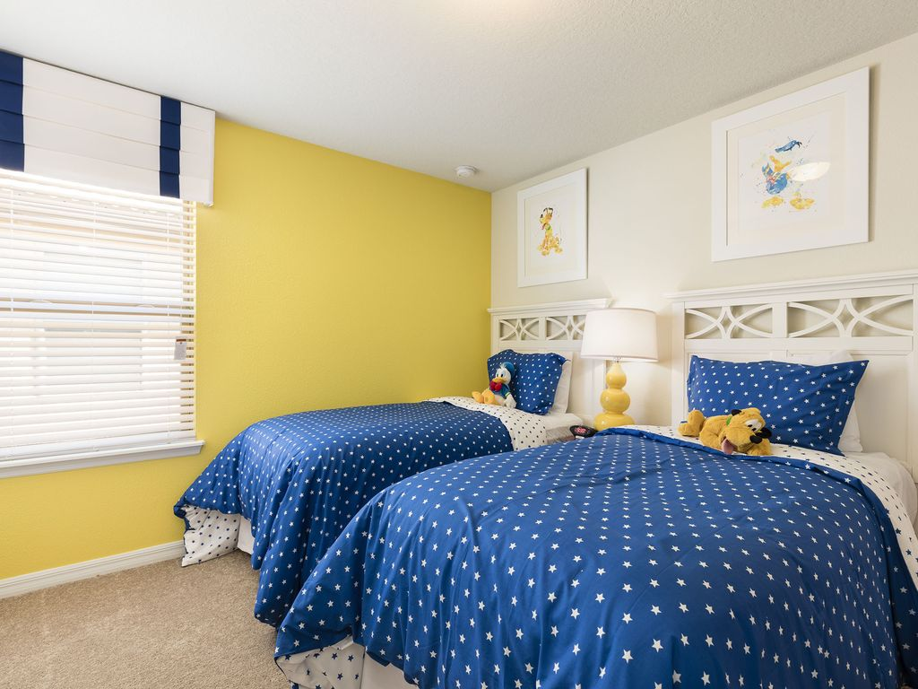New  9 Br/6 Ba luxurious Pool House from $300/nt, Close To Disney