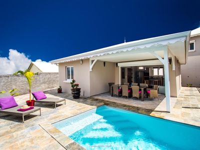 Photo for Villa Tim - Luxury villa 7 minutes from the beaches, private salt pool.