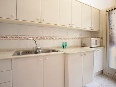 Photo for 4 bedroom apartment in the charming neighborhood of Gracia!