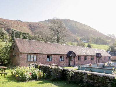 Photo for RAGLETH COTTAGE, pet friendly in All Stretton, Ref 921976
