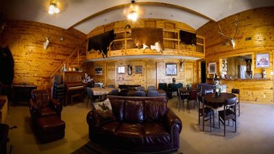 Photo for 6BR Lodge Vacation Rental in Edgemont, South Dakota