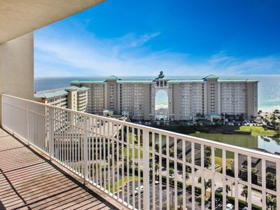 Corner unit with fantastic Gulf of Mexico views!