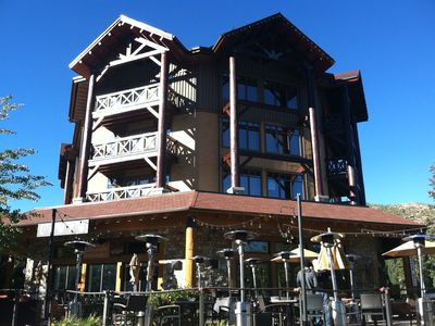 Photo for MAMMOTH LAKES SKI CONDO    WALK TO VILLAGE    GREAT VIEW   SLEEPS 4