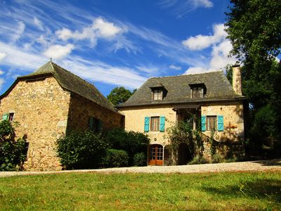 Photo for A stunning French farmhouse retreat in the heart of Averyon.