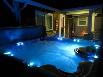 Large hot tub- comfortably seats six.  Close to Cottage front door.