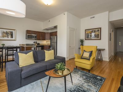 Photo for BEAUTIFUL Apartment in Historic Rittenhouse Building