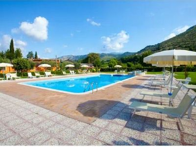 Photo for Le Camere Pinte: Sermoneta apartment - Medieval Stone Court, pool use