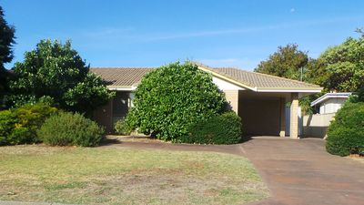 Photo for Peaceful East Bunbury duplex unit, 5 minute drive from the City Centre