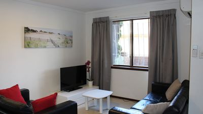 Photo for Parkline Vic Park 1 BRM Apartment WiFi + Breakfast