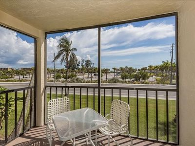 Photo for Remodeled and updated in Summer 2018, this I Bedroom and 1 Bath condominium has an upscale, yet comfortable coastal look and feel.