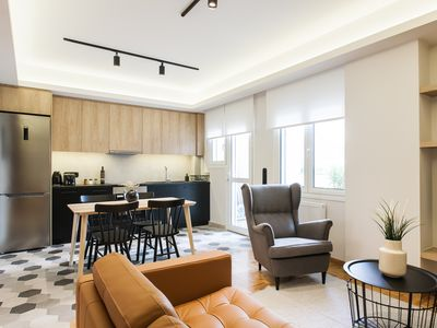 Photo for Modern Minimalist 3BD Apartment in Hilton District