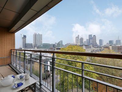 Photo for Shoreditch 2 bed/2 bath flat with exceptional views