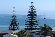 150m to Palm Beach, views over the whole Bay