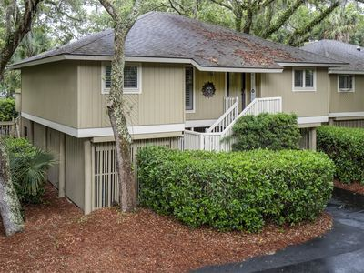 Photo for Charming 3BR/2BA Summerwind Cottage! Screened Porch!Great Location! Amenity Cards!